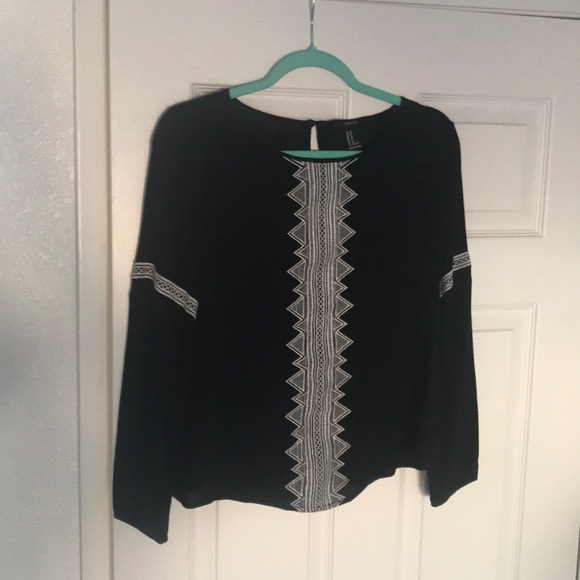 Forever 21 Tops - Forever 21 boho gauzy embroidered top